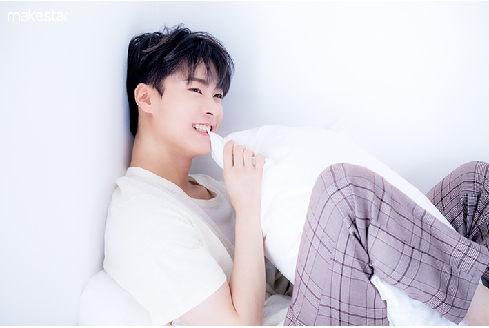 Photoshoot Snap Photos #6 Moon Bin (COOL ver ) | Makestar